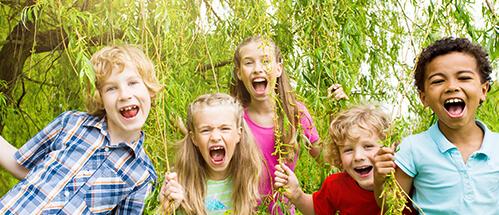 © drubig-photo / Fotolia.com - Lachende Kinder